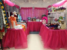 my hot pink Christmas craft show booth