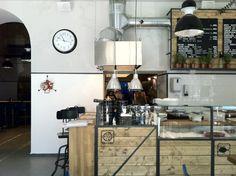 The Bigfish bistro Budapest - Eat at bar
