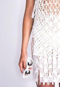 danit-peleg-creates-full-3d-printed-fashion-collection-at-home-10