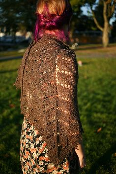 Ravelry: The Elder Tree Shawl pattern by Sylvia Bo Bilvia