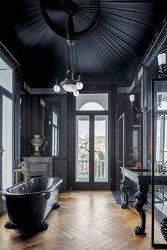 Modern interior House Design Trend for 2020 Gothic Interior, Gothic Home Decor, High Design, Modern Gothic, Dark Interiors, Gothic House, Style At Home, Beautiful Bathrooms, Modern Bathrooms