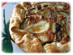 Quiche di Pasta Brise o Sfoglia con Funghi Porcini, Pancetta Affumicata e Gruyere o Emmental ...  thank god for Google translate!!