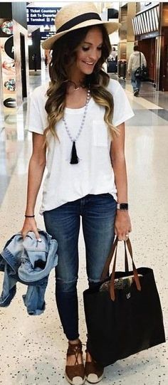 Love the color of these jeans and the basic tee with long necklace