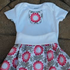 ☀️ April showers bring May flowers New skirt set in sizes Newborn to 24 months !