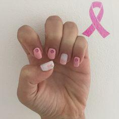 Hello ! Aujourd'hui je vous présente l'un de mes nailart de l'octobre rose fais par yokonailart ! N'hésitez pas à vous abonné à mon instagram : agathe.nailart