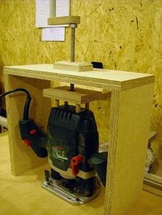 Concept for the easiest router lift using my plunge router... ...