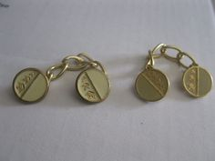 Vintage Buttons on Chain 3 crowns gold colored cufflink sweater closure off wht
