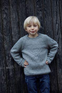 "077 Drengesweater ""Lille Peter edderkop"""