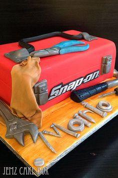 Ideas Cars Cake For Men Mechanic Birthday Cakes For Men, Car Cakes For Men, Fancy Cakes, Cute Cakes, Mechanic Cake, Mechanic Humor, Fondant Cakes, Cupcake Cakes, Tool Box Cake