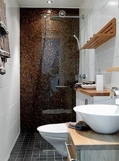 banheiros pequenos com banheira - Pesquisa Google