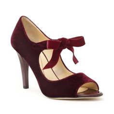 Kate Spade velvet open toe pump with bow. Dorothy Shoes, Bow Shoes, Beautiful High Heels, Velvet Shoes, Wedding Heels, Shoe Art, Pretty Shoes, Shoe Closet, Zapatos