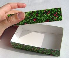 How to make boxes out of greeting cards...