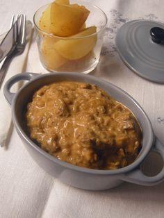 Whole Kitchen , en su propuesta salada para el mes de octubre, nos invita a preparar un clásico de la cocina húngara: Goulash.     Est...