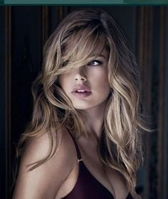 If you don't know Doutzen Kroes by know, please get out of the cave. Carefully selected top 50 most beautiful Doutzen Kroes face shots. Long Bangs, Great Hair, Awesome Hair, Hair Dos, Pretty Face, Pretty Hairstyles, Short Hairstyle, Her Hair, Wavy Hair