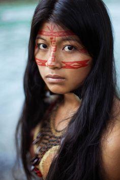 MYTHODEA Kichwa woman from the Ecuadorian Amazonian jungle.