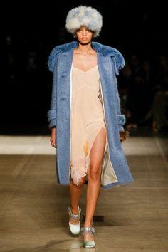 Miu Miu Fall 2017 Ready-to-Wear Fashion Show Collection