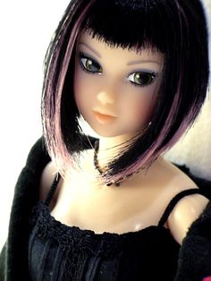 momoko doll, love the hair and eyes