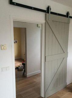 Bekijk de foto van 4Roos met als titel Gave schuifdeur met beslag! en andere inspirerende plaatjes op Welke.nl.