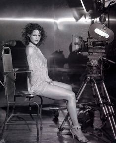Carla Gugino sultry in a leggy photo