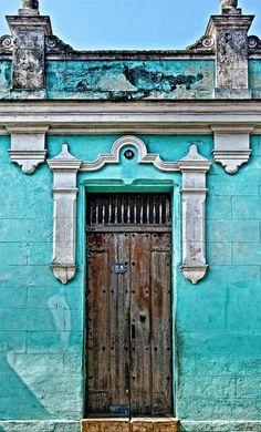 Bayamo, Cuba - Beautiful Blue walls and old door. Grand Entrance, Entrance Doors, Doorway, Cool Doors, Unique Doors, Knobs And Knockers, Door Knobs, When One Door Closes, Closed Doors