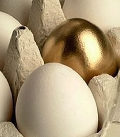 Leave them a golden egg. Easter Traditions, Black White Gold, Christmas Store, Easter Holidays, Egg Shape, Touch Of Gold, Gold Art, Egg Hunt, Holidays And Events