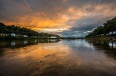 Sunset on the Kanawha River by photojournalist, David T. Thompson from Eyewitness News (July 2015)