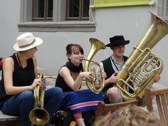 """#Blogparade Nr. 45 von @j14e """"Ein Hauch von Welt - Das Tanz- und Volksfestival Rudolstadt"""" - ein wunderbares, alljährlich im Juni stattfindendes Fest - Musiker, Genuss und Zufriedenheit, was wollen wir mehr? (21.10.14) http://hungerherz.de/tff-rudolstadt/ Foto: Juliane Wünsche"""