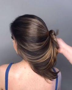 Aprenda o Passo a Passo Desse Penteado Simples e Lindo! #cabelo #cabeloslongos #penteados #penteadosemcabelo #tiposdepenteados #comofazerpenteados #dicasdepenteados #cabeloscurtos #cortecabelo #dicasdebeleza #beleza #dicasdecabelos #cabeloscacheados #cabelospenteados #cortesdecabelos #crescercabelo #receitaparacabelo #receitasparacabelo #crescimentocapilar #fazerocabelocrescer #cabeloslisos #alisarcabelo