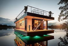 Personnalisez votre houseboat grâce à Rev House - #Architecture - Visit the website to see all photos http://www.arkko.fr/houseboat-revhouse/