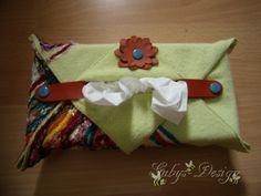 Tatü-Box in Fleece und Stickerei