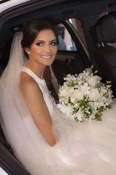 Artificial Wedding Bouquets, Wedding Flower Guide, Cascading Wedding Bouquets, Wedding Ceremony Flowers, Bride Bouquets, Flower Bouquet Wedding, Wedding Bride, Wedding Dresses, Magnolia Wedding