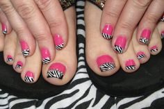 Pink with Zebra tips.  <3 them.