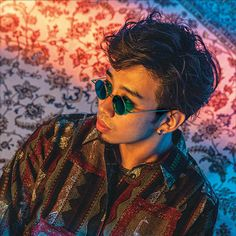 "【King Gnu(キングヌー)】が纏う「KOMONO(コモノ)」の最新アイウェアが発売! | H°M'S"" WatchStore Singer, Japanese, Entertainment, Rock, Design, Stone, Japanese Language, Singers"