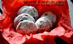 chipa by the dozen: Galletitas de chocolate y nueces / Chocolate nut balls cookies