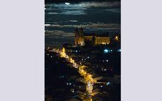 """""""Tirei essa foto numa noite de lua cheia num feriado de Corpus Christ que passei em Ouro Preto, MG. A igreja que está no topo da imagem é a ..."""