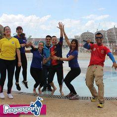 Nuestro diaaa de piscina comenzooo con el torneo de voleibol...! En poco minutos comenzamoss! @aquaventurapark .  #equipoborracho #equipocerveceros #equipoaquaventura #equipocaucheros  #ninos #juegos #color #balon #pelota