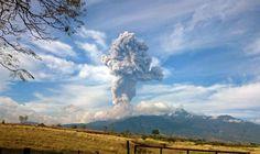 Mexicaanse vulkaan stoot kilometershoge aswolk uit / hbvl.be / 4 januari 2015 / Mexico