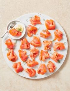 Buy the Side of Scottish Smoked Salmon (Approx. 20 Slices) from Marks and Spencer's range. Scottish Salmon, Party Platters, Order Food, Smoked Salmon, Cooking Classes, Perfect Party, Frozen, Diet, Ethnic Recipes