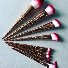 Brochas de maquillaje en forma de cuerno de unicornio