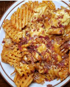 Chili Cheese Fries anyone? Chili Cheese Fries anyone? Think Food, I Love Food, Good Food, Yummy Food, Healthy Junk Food, Junk Food Snacks, Tasty, Chili Cheese Fries, Food Goals