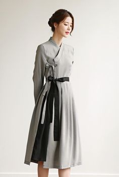 Grey Fashion, Asian Fashion, Hanbok Wedding, Modern Hanbok, Casual Party Dresses, Queen Outfit, Korean Dress, Female Girl, Chinese Clothing