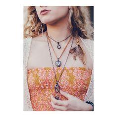Pressed Flower Necklaces, Unique Terrarium Jewelry by BayouGlassArts Key Jewelry, Glass Jewelry, Jewelry Making, Unique Jewelry, Dandelion Necklace, Butterfly Necklace, Broken China Jewelry, My Glass, Unusual Gifts