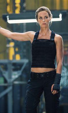 Edge of Tomorrow - Emily Blunt as Rita Vrataski...daaaaaamn girrrrrl!! I loved this movie...
