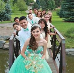 Hottest Hairstyles for Quinceaneras with Long Hair!The Hottest Hairstyles for Quinceaneras with Long Hair! Quinceanera Dresses, Quinceanera Court, Quinceanera Planning, Quinceanera Hairstyles, Quinceanera Ideas, Sweet 16 Pictures, Quince Pictures, Sweet 16 Fotos, Sweet 15
