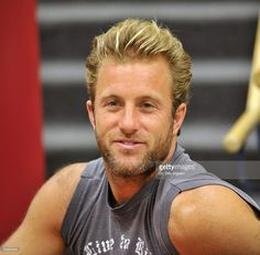 Actor Scott Caan attends Brett Ratner's Rat Press Book Signing at Borders on September 17, 2009 in Hollywood, California.