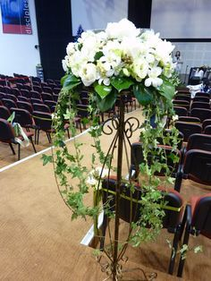 Choosing The Flower Arrangements For Church Wedding Church Wedding Flowers, Church Wedding Decorations, Wedding Altars, Funeral Flowers, Flower Bouquet Wedding, Wedding Ceremony, Types Of Flower Arrangement, Large Flower Arrangements, Wedding Arrangements