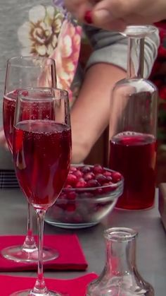 Geoffrey makes a festive champagne cocktail with fresh cranberries to kick off the holiday season.