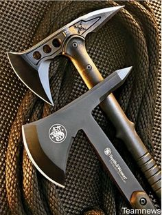 The M48 Kommando tomahawk