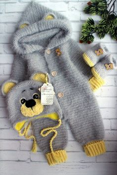 crochet pattern coming home outfit Pretty bear Expecting for baby boy gift pregn. crochet pattern coming home outfit Pretty bear Expecting for baby boy gift pregnancy reveal gender party shower with hand newborn giftbox Baby Boy Hats, Baby Boy Or Girl, Baby Boy Newborn, Newborn Onesies, Baby Outfits, Baby Overall, Baby Pullover, Knitted Baby Clothes, Boy Onesie