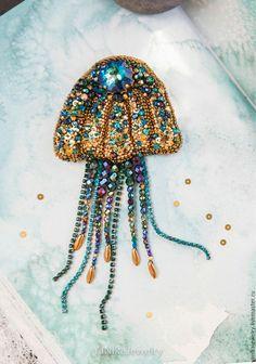 Бисерная брошь медуза